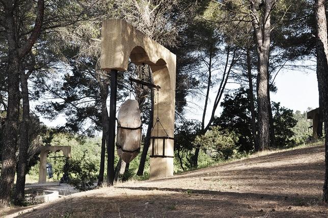 Tunga. Portals